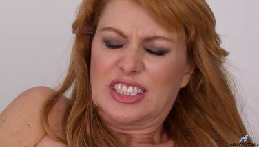 Bigtit mother penalizes her jism greedy gash