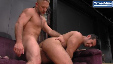 Muscled latino roll humps wooly father