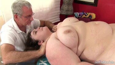 Super Hot Fatty Sapphire Rose Gets A Hump Rubdown