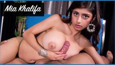 Bangbros  mia khalifa looks sexy as she gets her arab vagina opened up