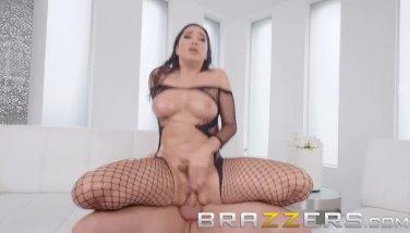 Brazzers  karlee grey showcases off her fresh clothing