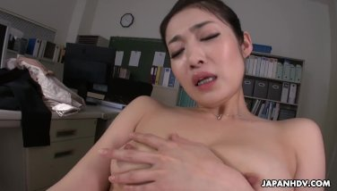 Fresh office damsel ryu playthings her cooch while working overtime