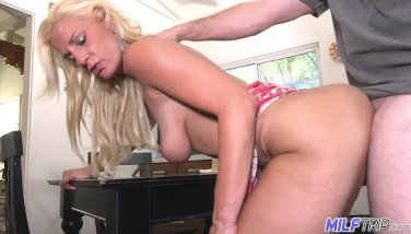 Mummy Tour  Blondie Mummy Charlie Daniels Get Packed With Manmeat  Part 1