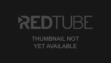 Chilena tetona congenital se masturba con desodorante en la cam